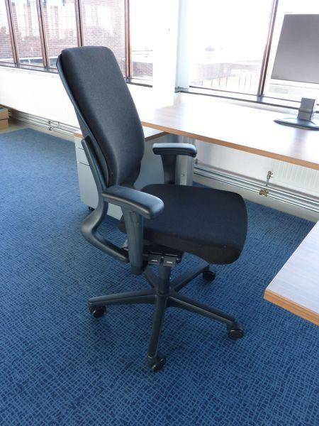 Nieuwe Bureau Stoel.Nieuwe Gestoffeerde Ahrend 230 Hoge Rug Bureaustoel Met