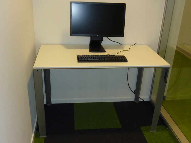 Ahrend 700 slinger verstelbaar bureau 120x60cm alles for Bureau 60x120
