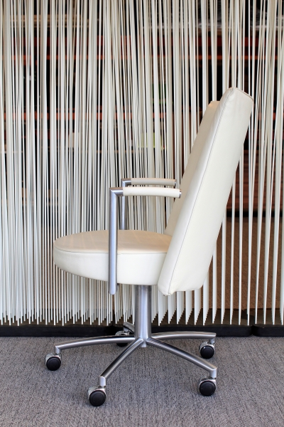 Erik Jorgensen EJ 80 Partner Chair design vergaderstoel