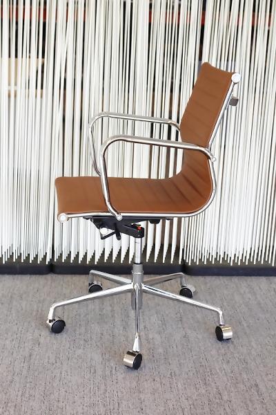 Design Bureaustoel Kopen.Aanbieding Design Bureaustoel Bruin Alles Voor De Helft Nl