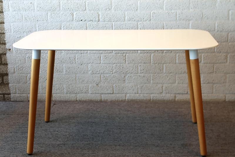 Tafel Witte Poten : Eettafel wit onderstel cheap cool good klassiek onderstel staal