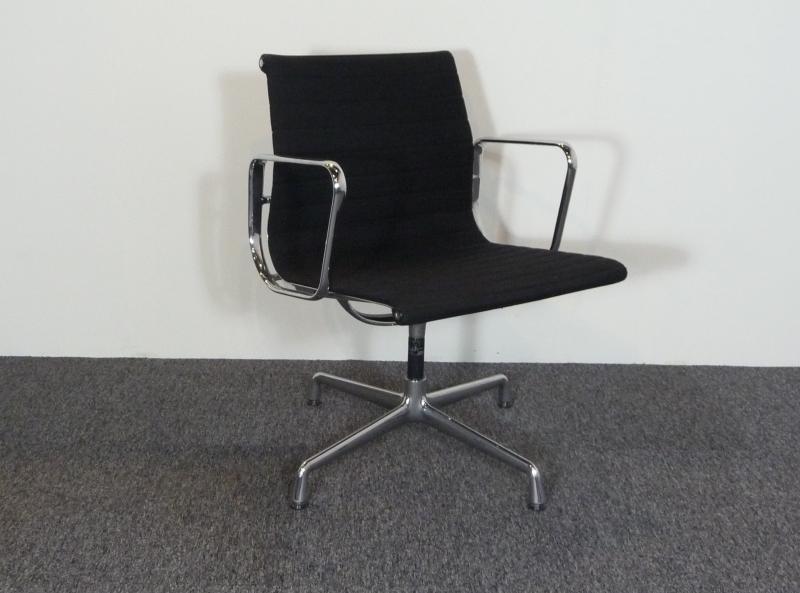 Orginele vitra ea 108 eames stoel zwart hopsak alles for Eames stoel zwart